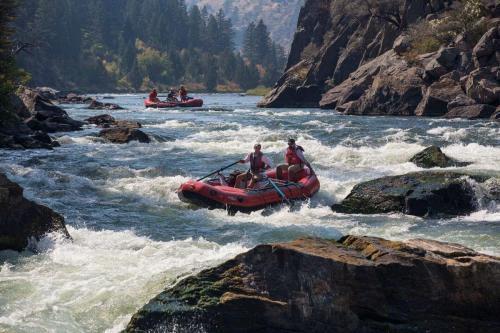 rafting-883523_19201